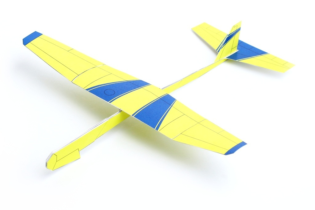 how to build a paper plane that flies far